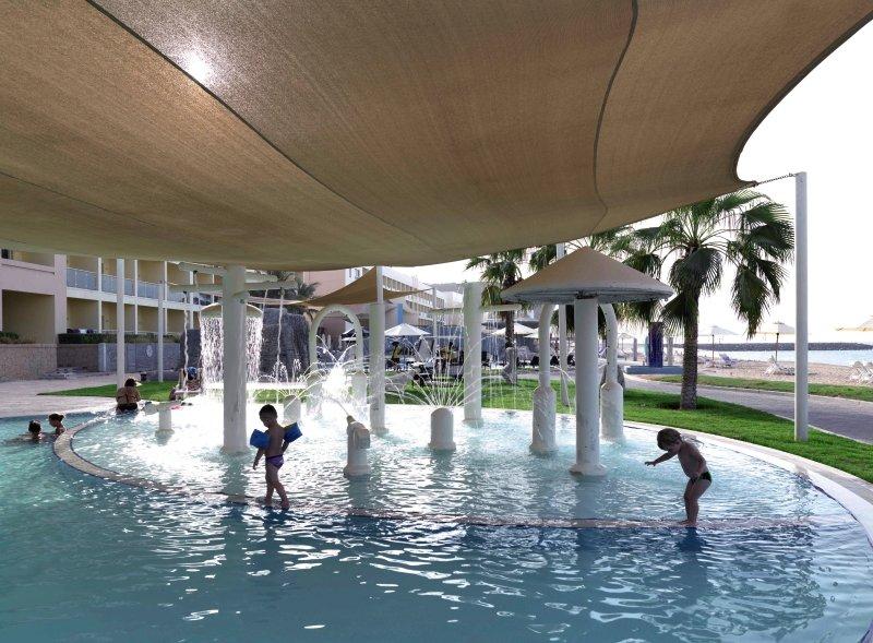 Radisson Blu Resort FujairahPool