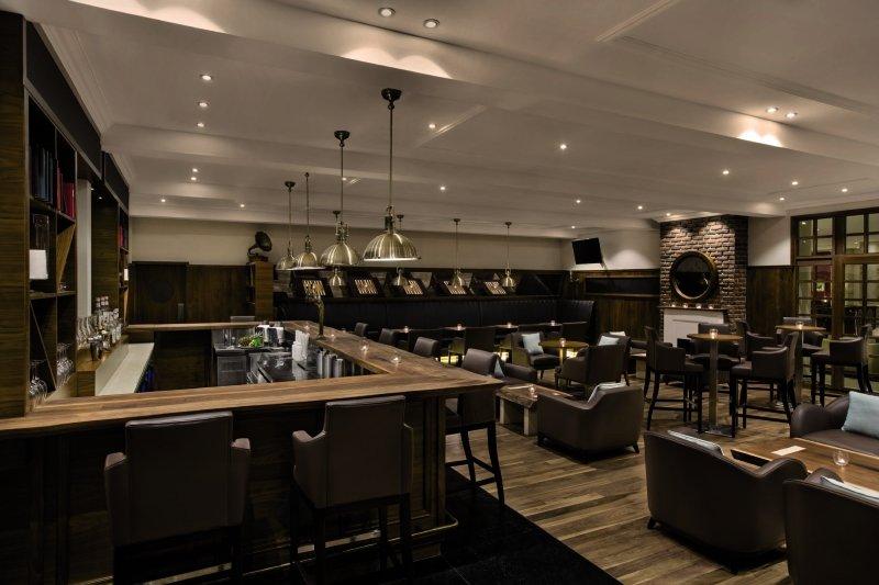 Hilton Al Hamra Beach & Golf ResortBar