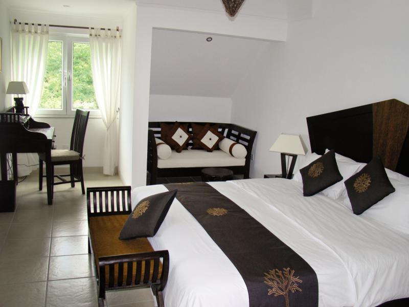 7 Tage in Baie Beau Vallon (Insel Mahé) Hanneman Holiday Residence