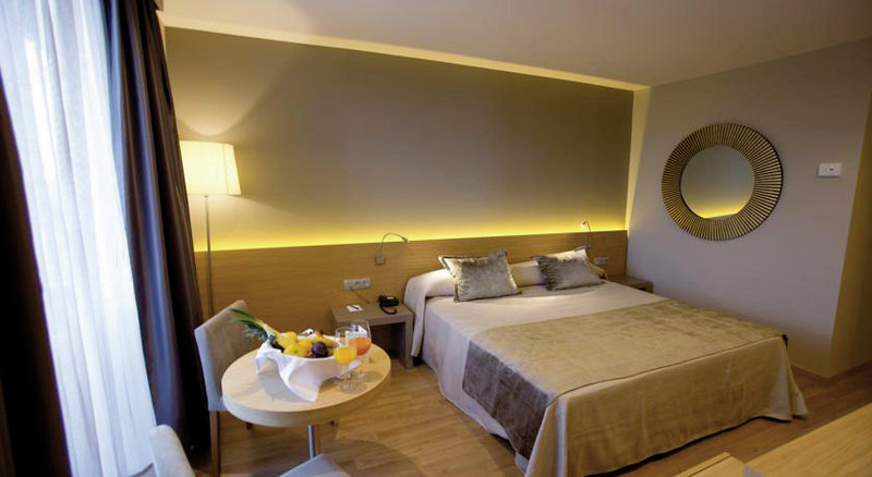 Hotel M.A. Sevilla Congresos in Sevilla, Andalusien W