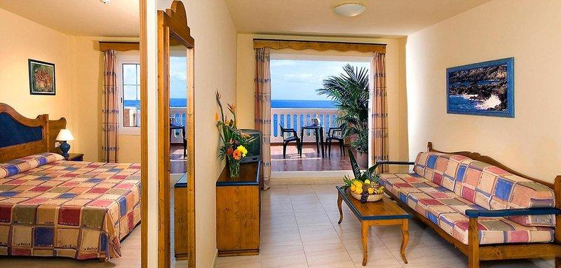 Hotel Las Olas in Breña Baja, La Palma W
