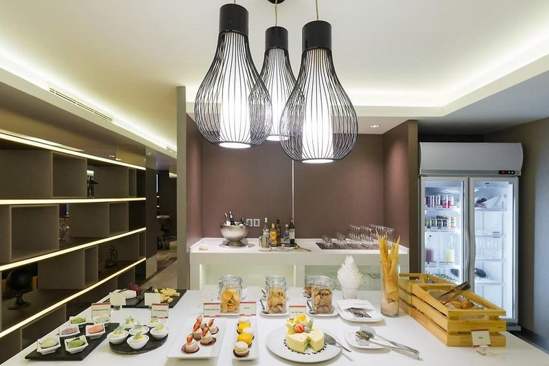 Eastin Grand Hotel Saigon in Ho-Chi-Minh-Stadt, Vietnam R