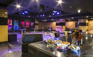 Hotel Ramada Resort Lara Bar