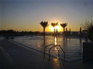 Hotel Al Hamra Residence Pool