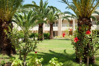 Hotel Eleftheria Aghia Marina Garten