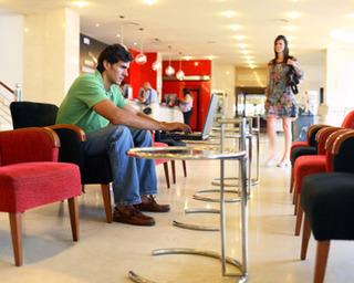 Hotel Expo Valencia Lounge/Empfang