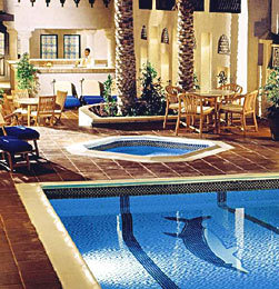 Hotel Arabian Courtyard Hotel & Spa Hallenbad