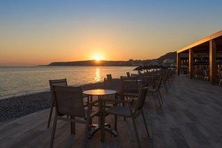 Hotel Avra Beach Resort Hotel & Bungalows Terasse