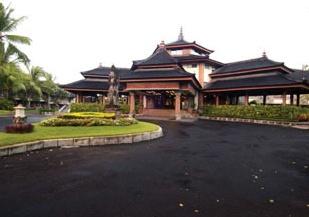 Hotel The Jayakarta Beach Resort, Residence & Spa Außenaufnahme