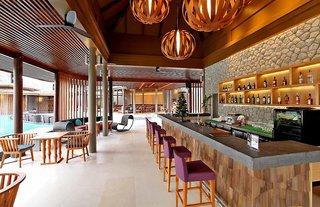 Hotel Apsara Beachfront Resort & Villa Bar