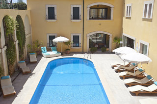 Hotel El Galeon Suites & Beach Pool