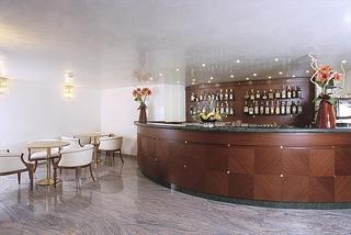 Hotel Ambassador Bar