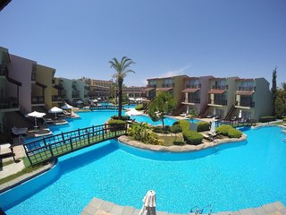 Hotel Silence Beach Resort Pool