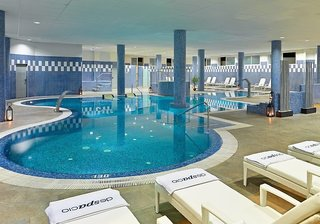 Hotel H10 Estepona Palace Hallenbad
