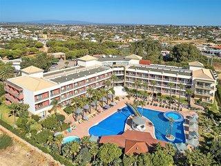 Hotel Baia Grande Außenaufnahme