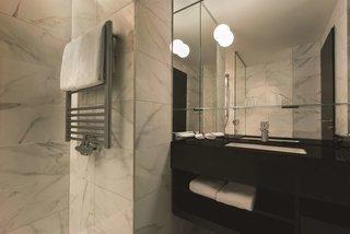 Hotel Adina Apartment Hotel Frankfurt Westend Badezimmer