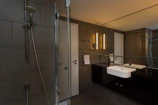 Hotel Adina Apartment Hotel Berlin Hackescher Markt Badezimmer