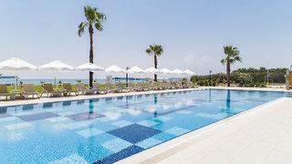 Hotel Crystal Boutique Beach Resort Pool