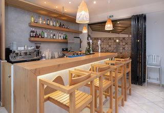 Hotel Maya Beach Bar