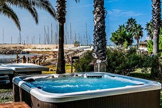 Hotel Aregai Marina Hotel & Residence Pool
