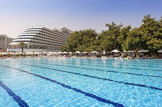 Hotel Titanic Beach Lara Pool