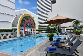 Hotel BelAire Bangkok Pool