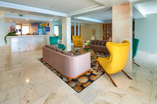 Hotel Orca Praia Lounge/Empfang