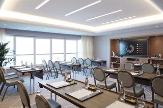 Hotel dusitD2 Kenz Hotel Konferenzraum