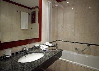 Hotel Roda Beach Resort & Spa Badezimmer