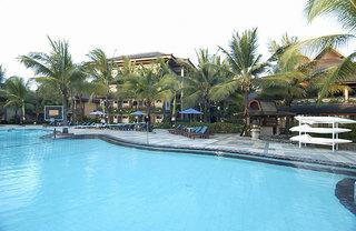 Hotel The Jayakarta Beach Resort, Residence & Spa Pool