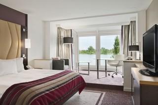 Hotel Hilton Vienna Danube Waterfront Wohnbeispiel