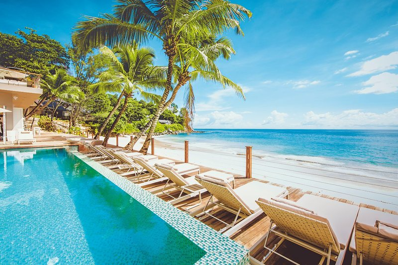 Carana Beach Hotel - 1 Popup navigation