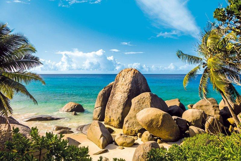 Carana Beach Hotel - 9 Popup navigation