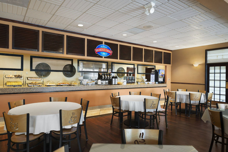 Baymont by Wyndham Celebration Restaurant