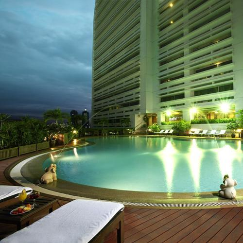 Centre Point Silom Pool