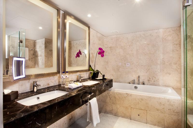 H Sovereign Badezimmer