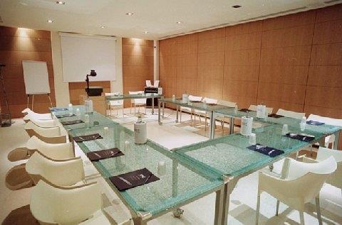 First Konferenzraum
