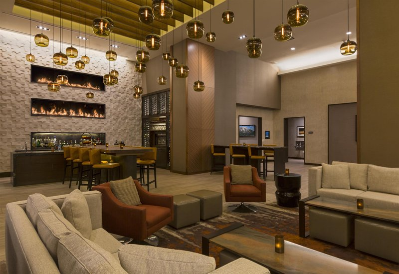 Grand Hyatt Denver Bar