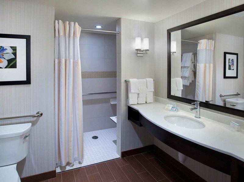 Hilton Garden Inn Chicago/North Loop Badezimmer