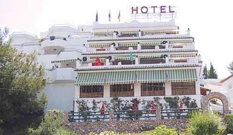 Hotel Jose Cruz Außenaufnahme