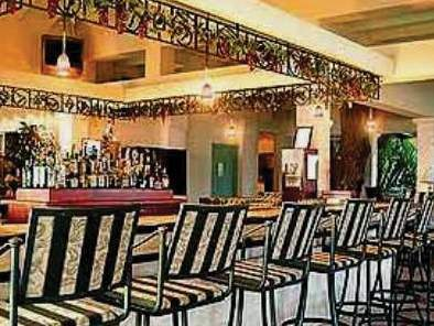 Savannah Beach Hotel Bar