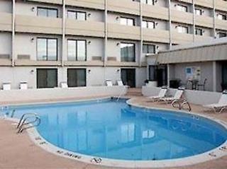 Comfort Inn Central Pool