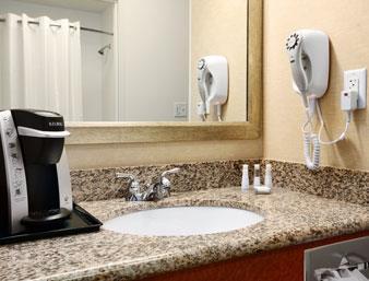 Baymont Inn & Suites Denver International Airport Badezimmer