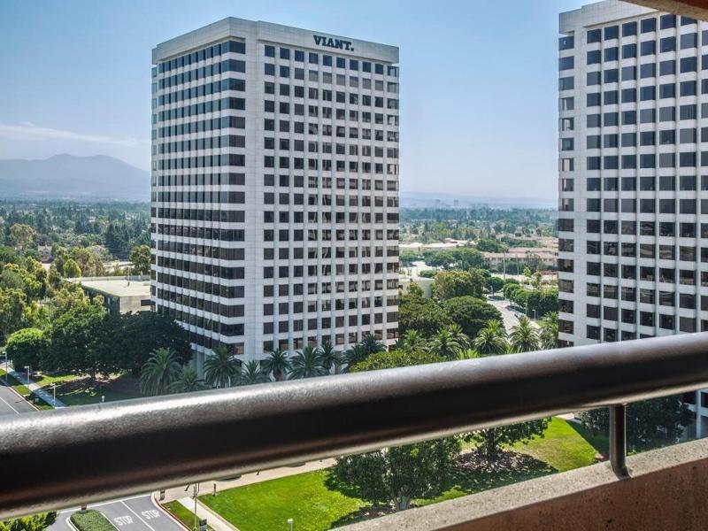 Hotel Irvine Außenaufnahme