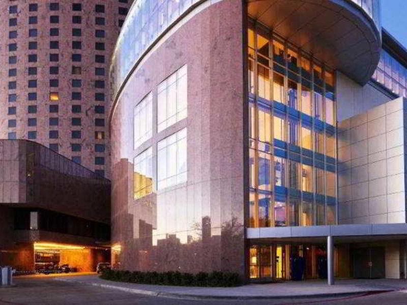 Renaissance Dallas Hotel Außenaufnahme