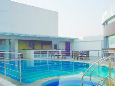 The Regale by Tunga Pool