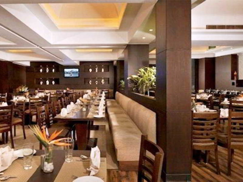 Country Inn & Suites by Carlson Gurgaon Sector 12 Restaurant