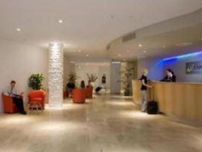 Oaks Gateway Suites  Lounge/Empfang