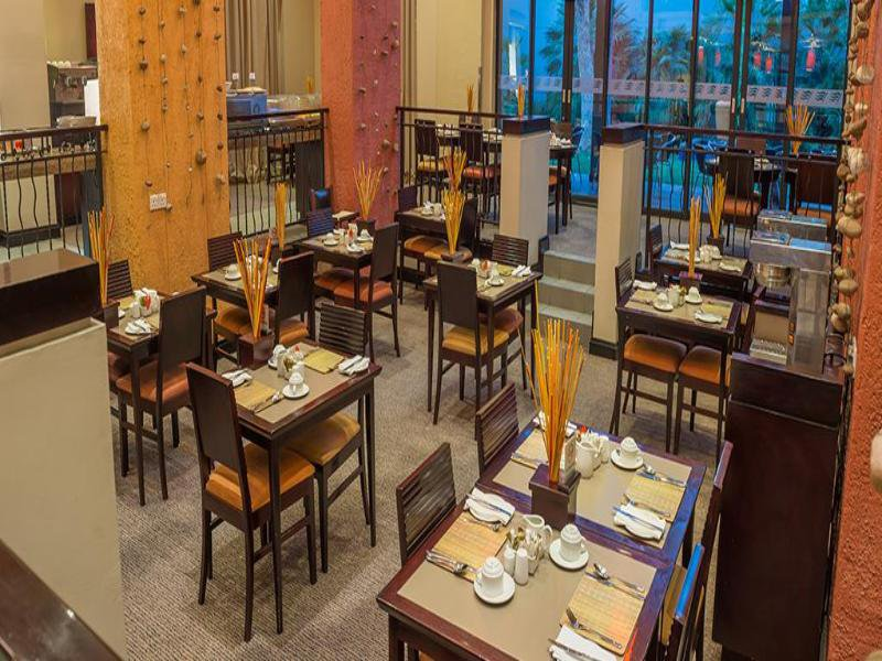 Peermont Metcourt Inn at The Grand Palm Resort Restaurant