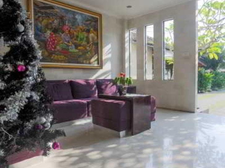 The Grand Sunti Lounge/Empfang